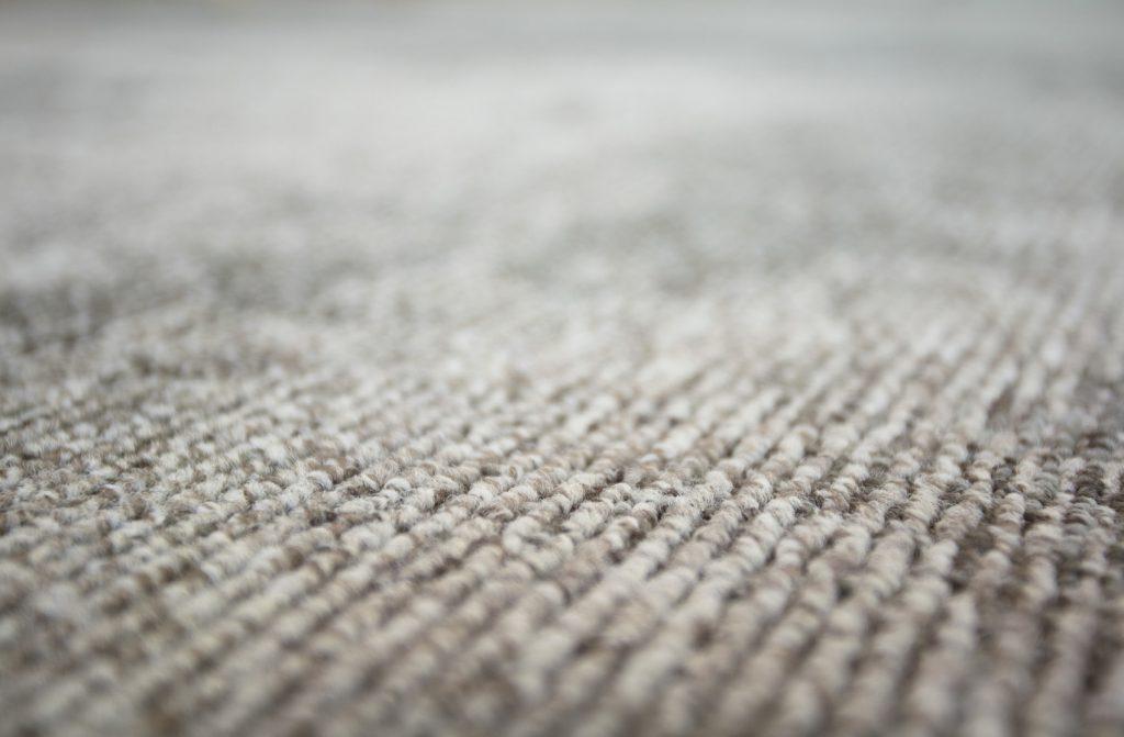 72_dpi_4A2M_CloseUp_carpet_TRAMONTANE_920_GREY_3