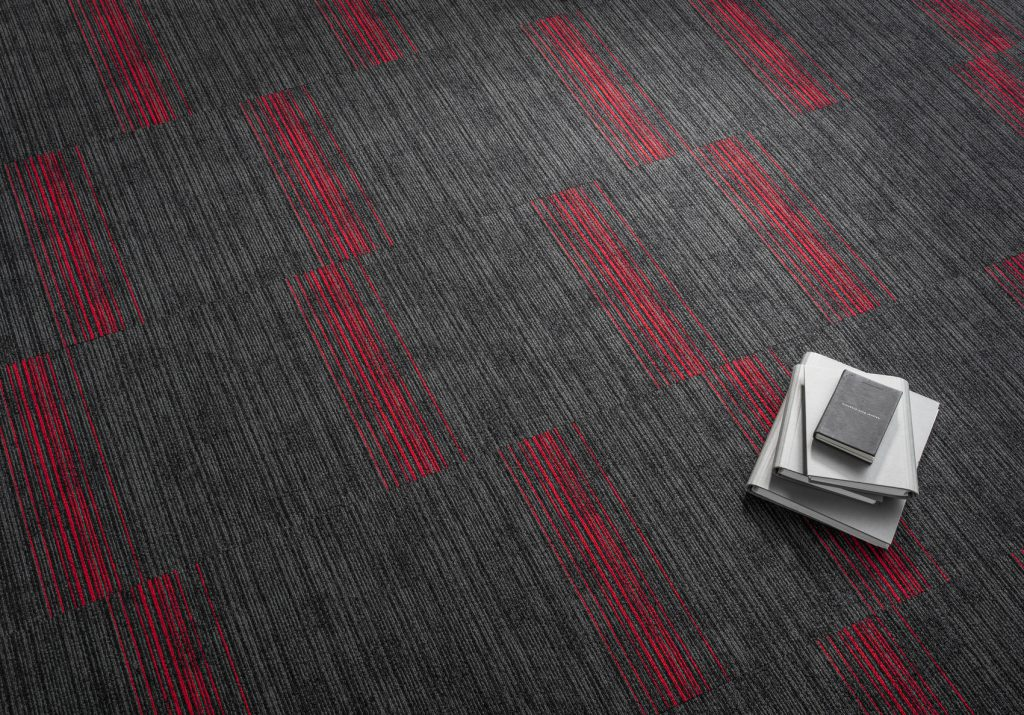 72_dpi_4B2H_CloseUp_carpet_TRUST STRIPES_975_GREY_1