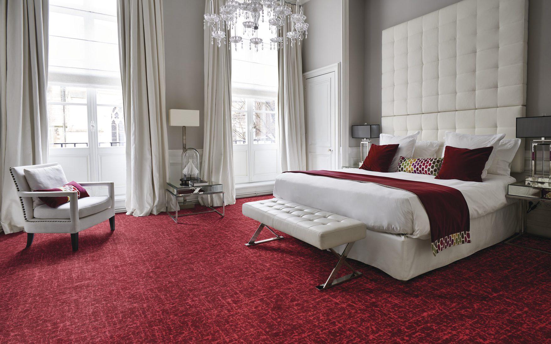 Tweed voor een thuis gevoel in jullie hotel, zacht en warm rood
